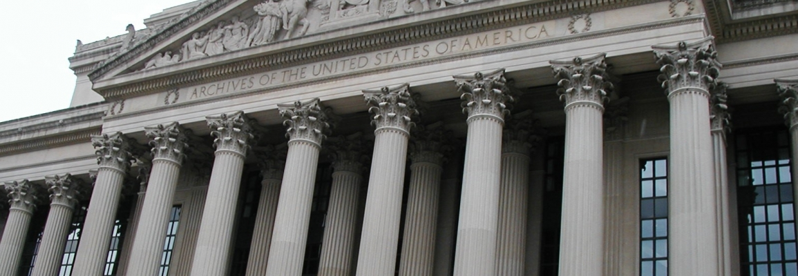 image of the National Archives in DC